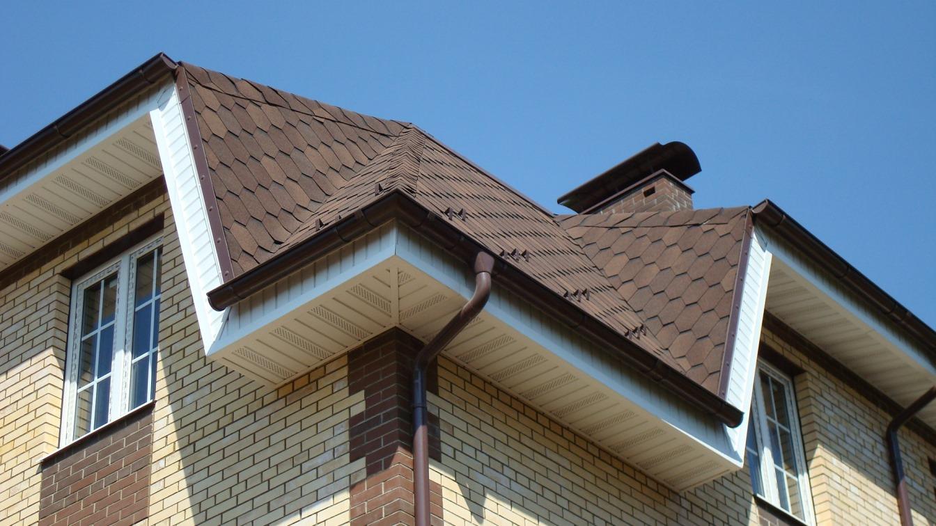 Подшивка крыши софитами