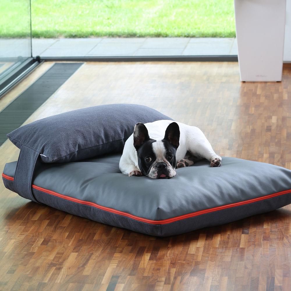 Лежанка для собаки с подушкой