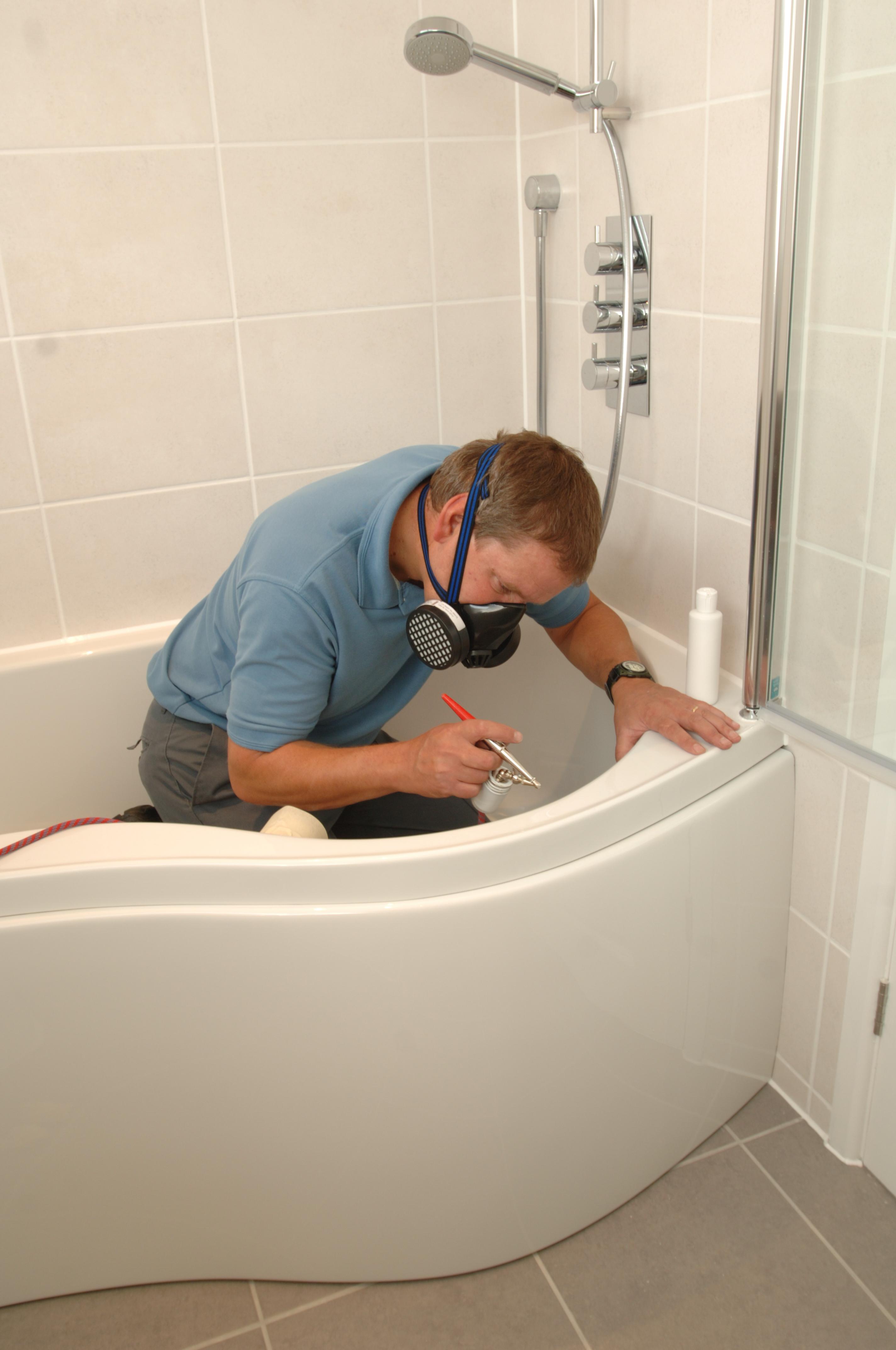Нанесение защитного покрытия на ванну