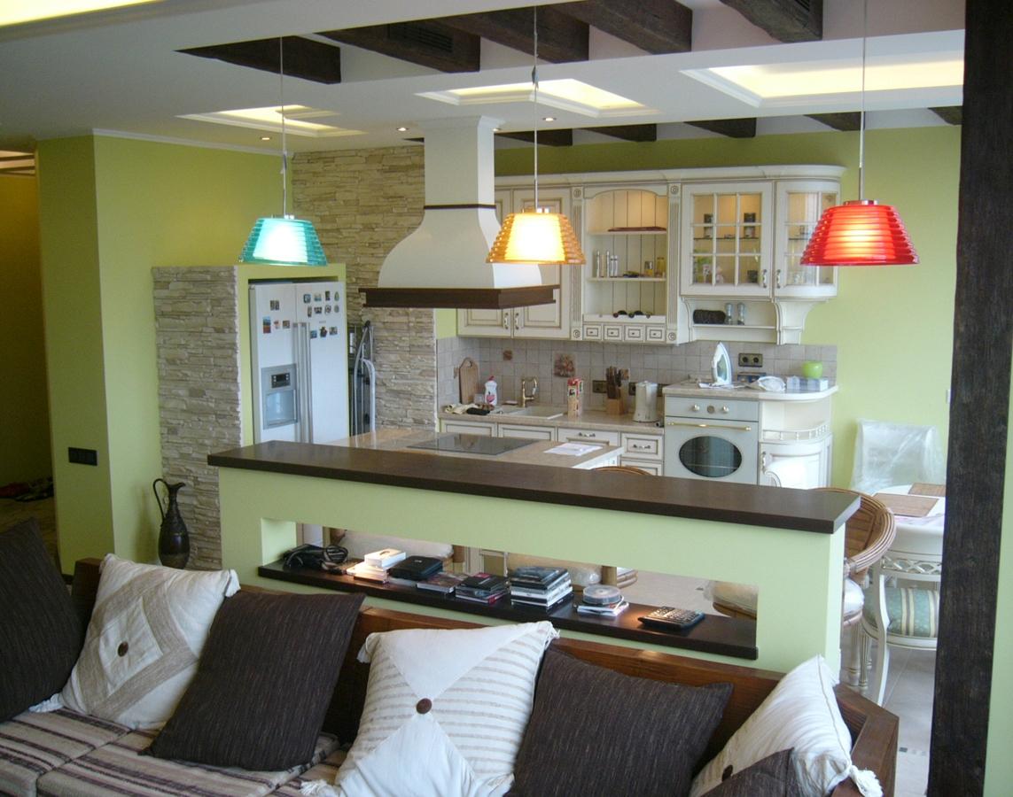 Перегородка-полка на кухне