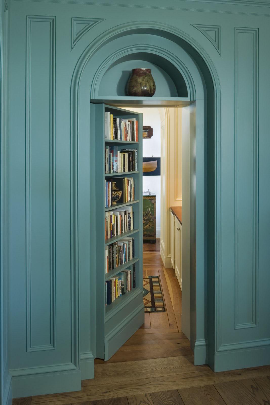 Скрытая дверь с полками