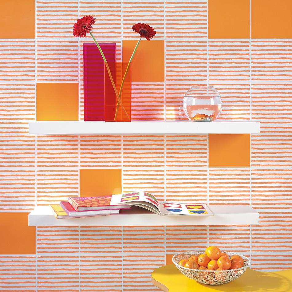 Полосатая оранжевая плитка