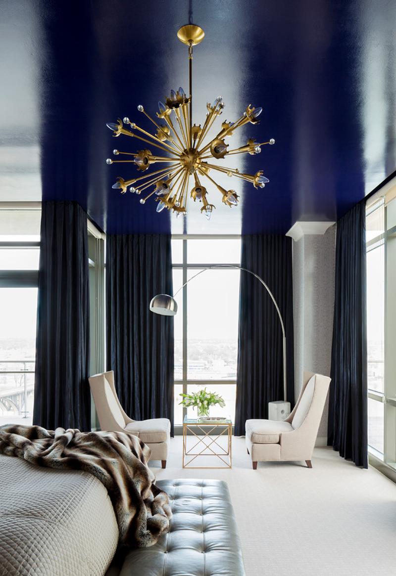 Глянцевая краска на потолке спальни