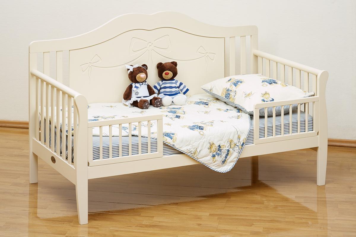 Детская кровать с бортиками в стиле прованс