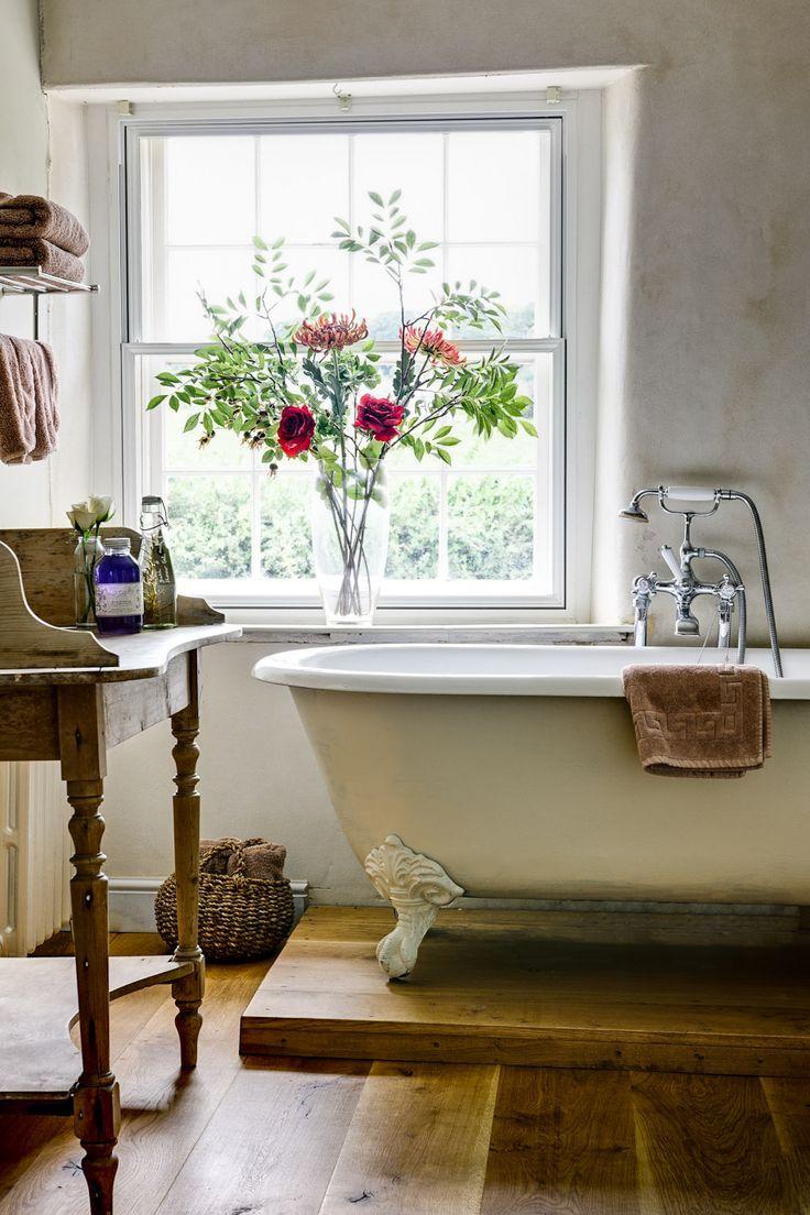 Чугунная ванна в стиле прованс