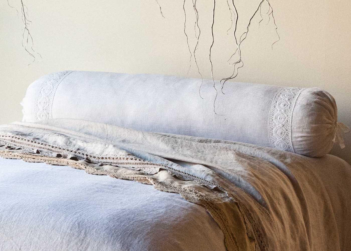 Подушка-валик в стиле прованс