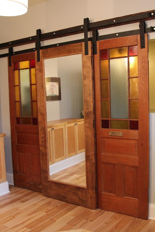 Раздвижная дверь в стиле модерн