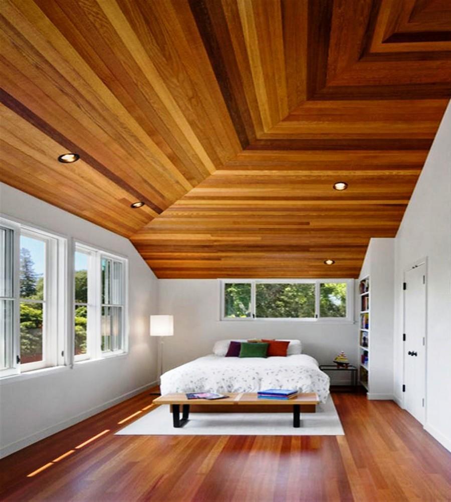 Разный ламинат на потолке