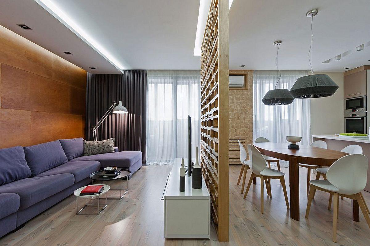 Деревянная решетка между кухней и гостиной
