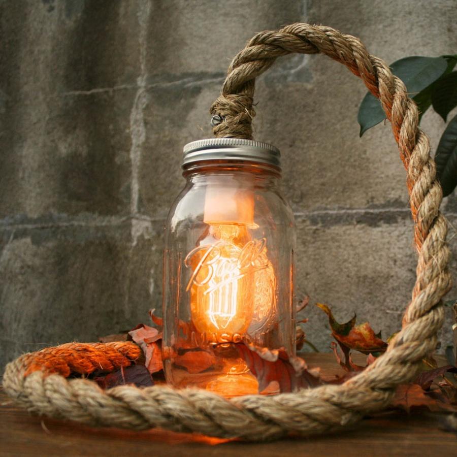 Декор ретро лампы канатом