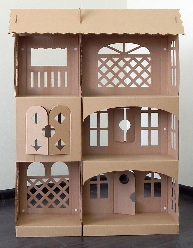 Резной кукольный домик из картона