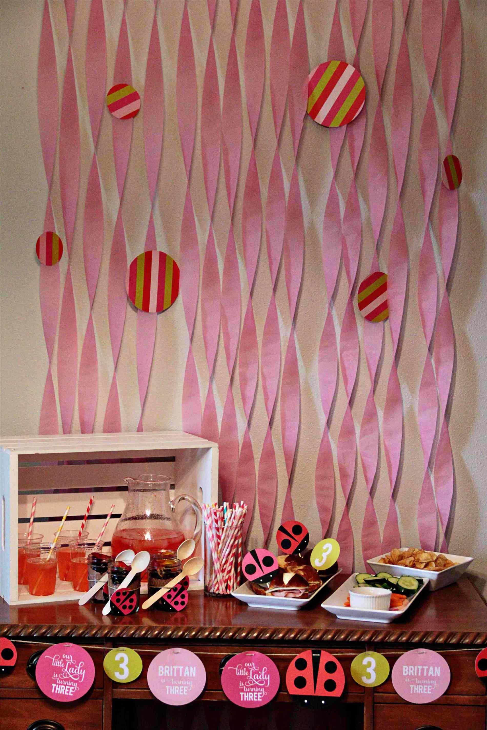 Украшение детского праздничного стола розового