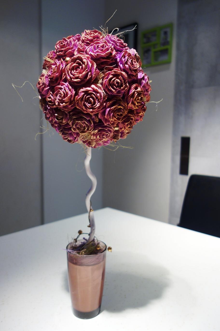 Топиарий в виде роз