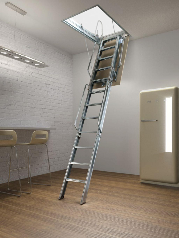 Лестница на чердак с ручками