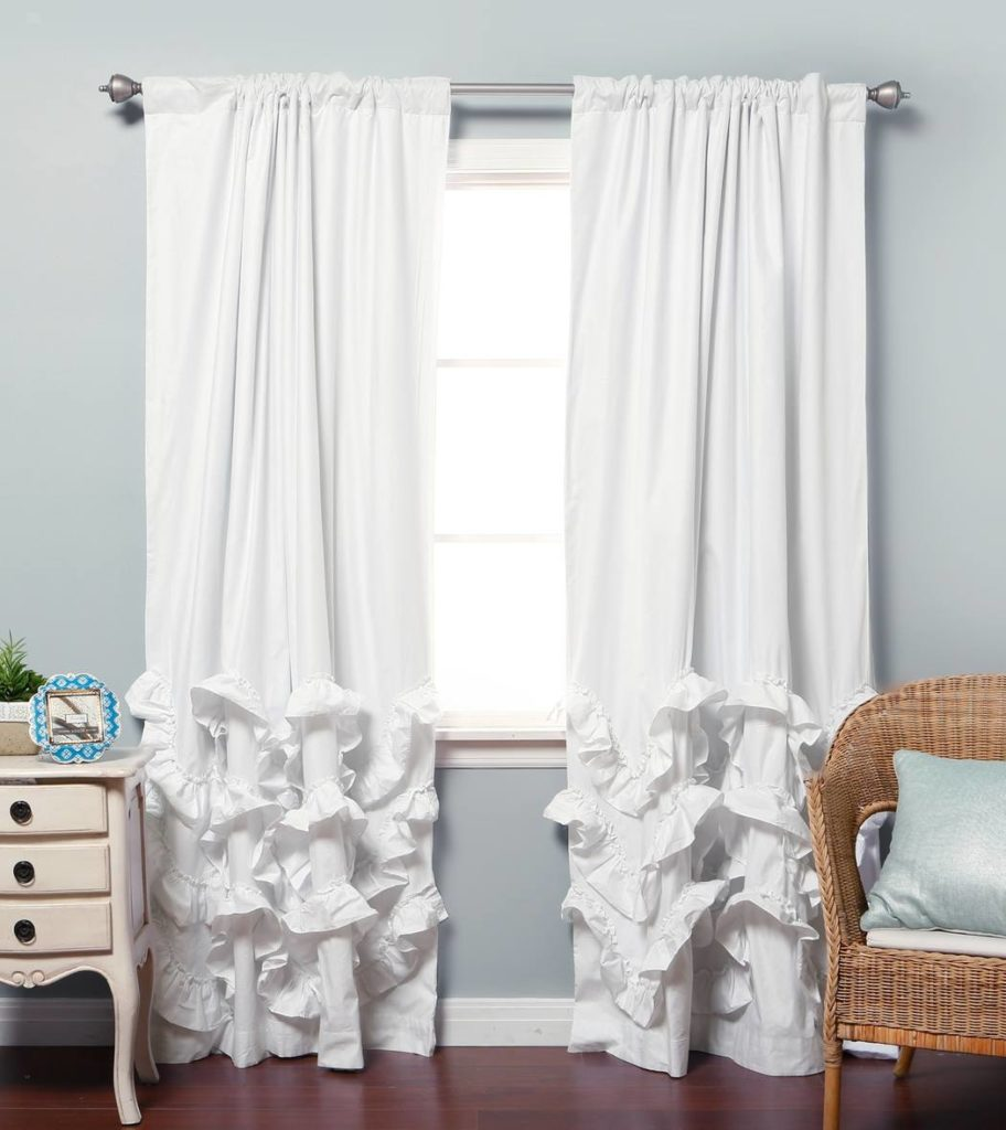 Белые шторы с рюшами