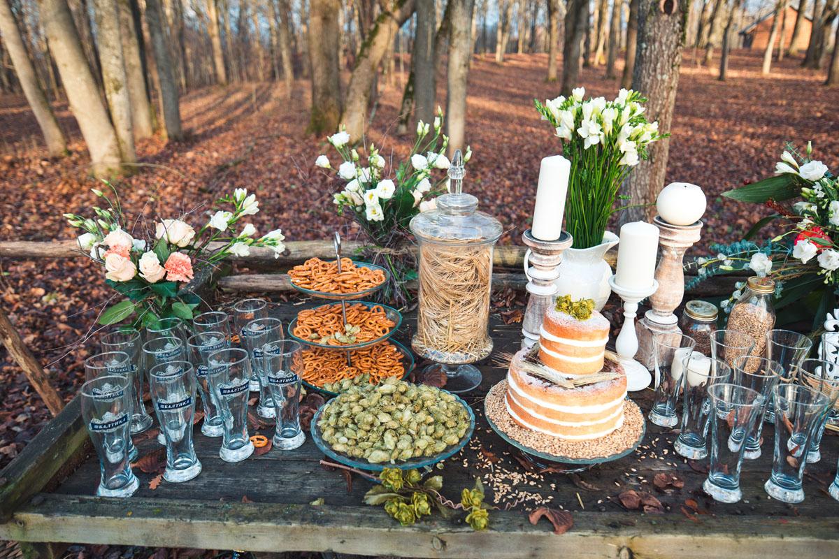 Фуршетный стол в рустикальном стиле