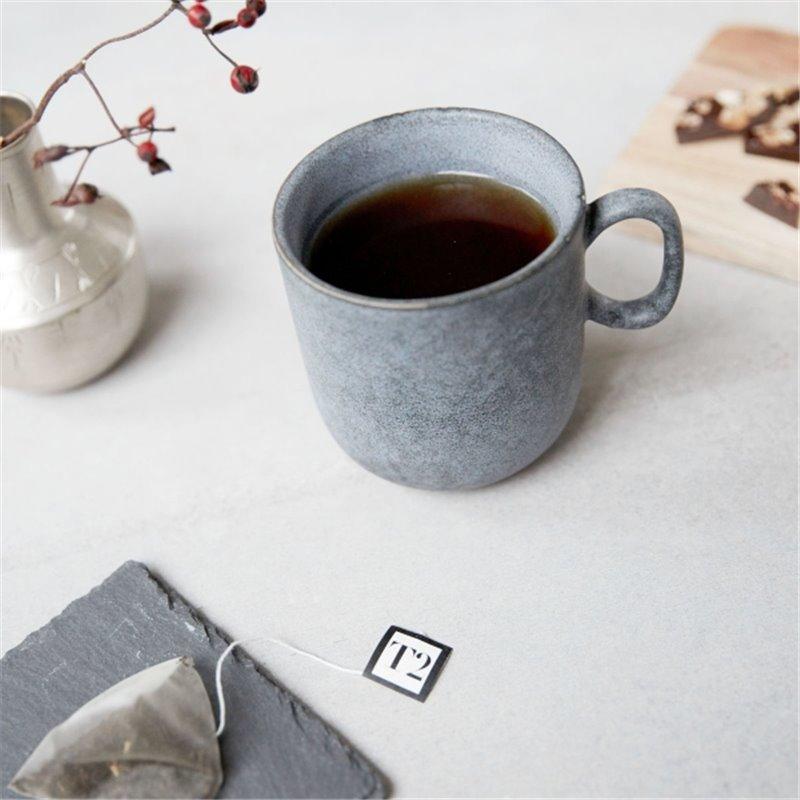Чашка из серого камня
