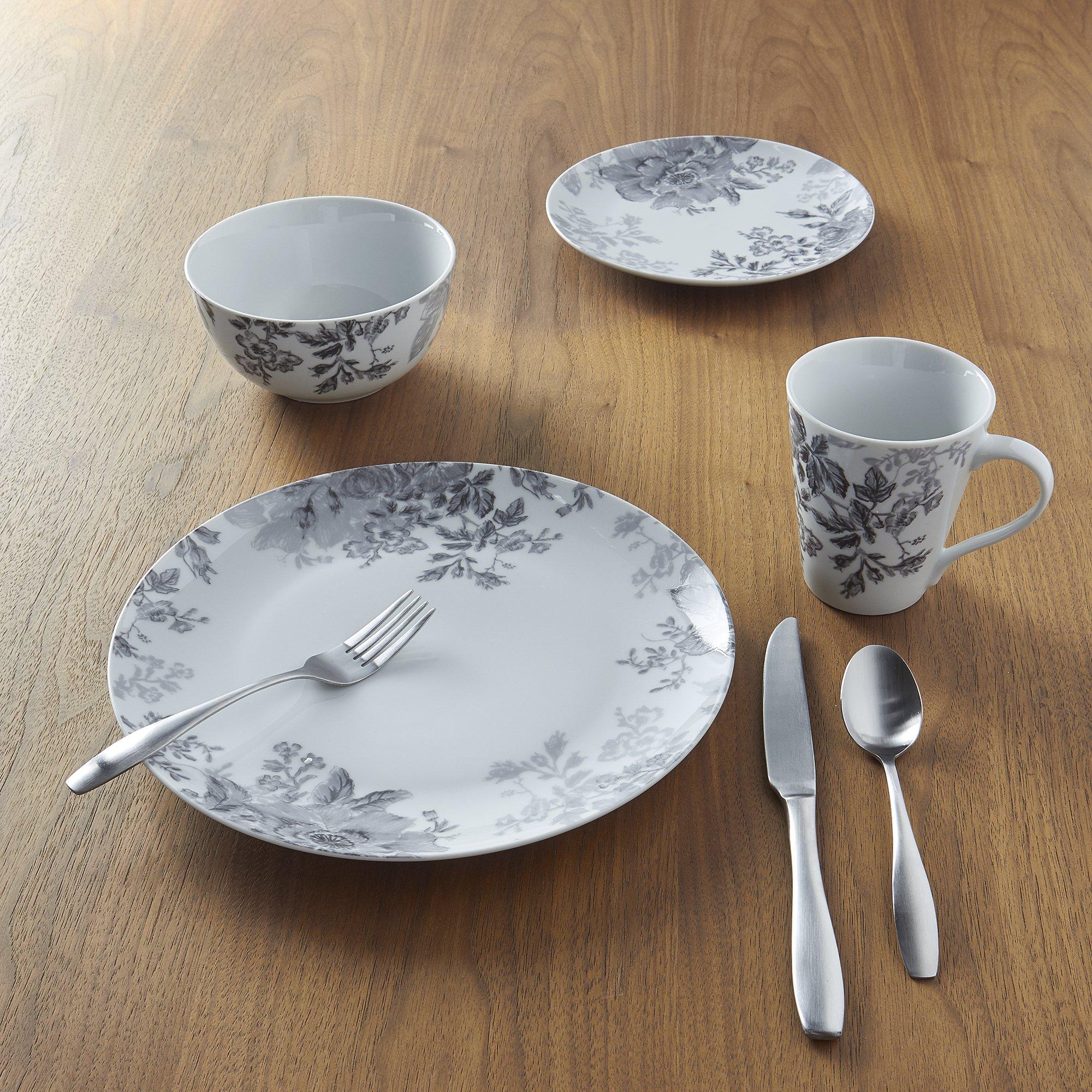 Фарфоровая посуда с серым рисунком