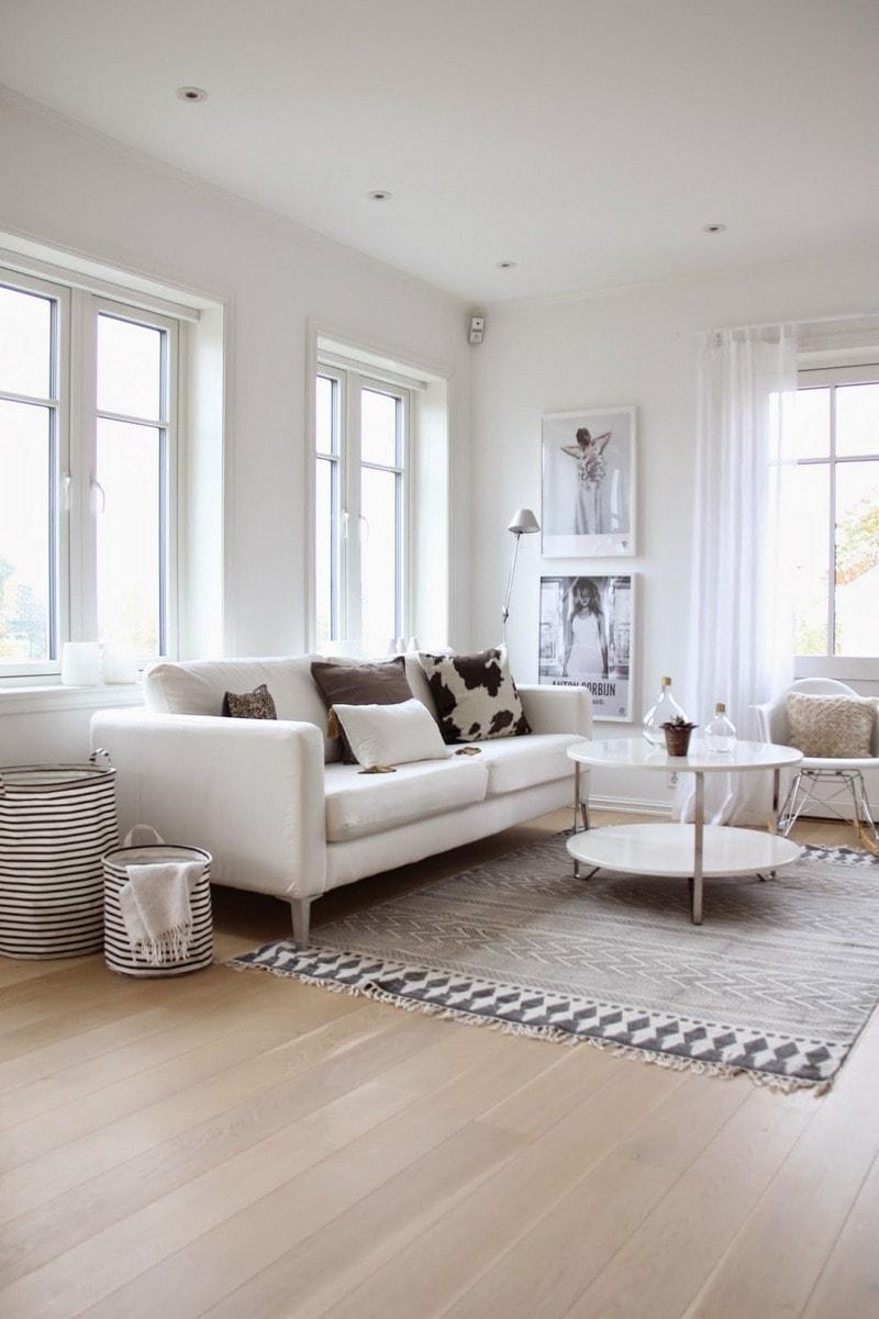 Серый килим в гостиной