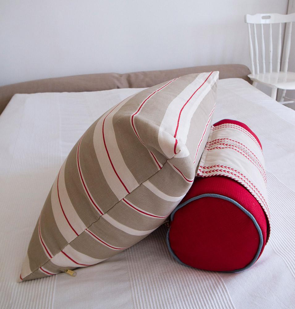 Подушка-валик для шеи
