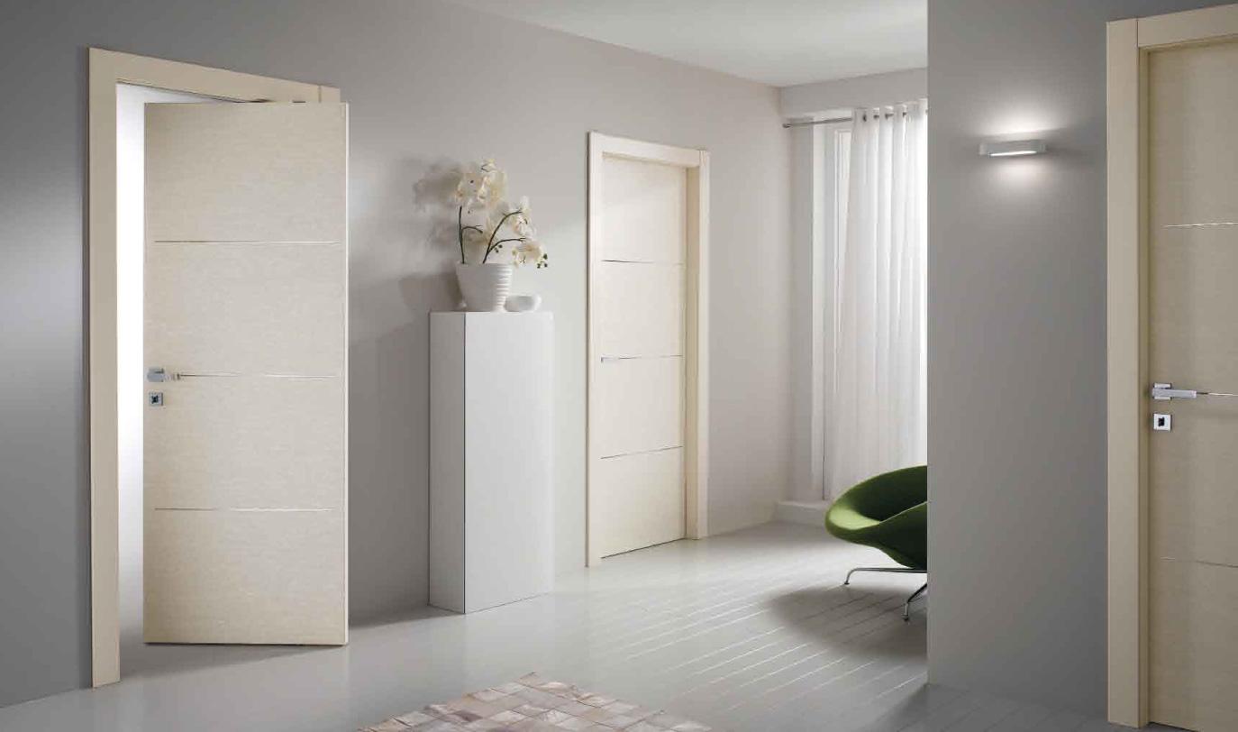 Белая шпонированная дверь