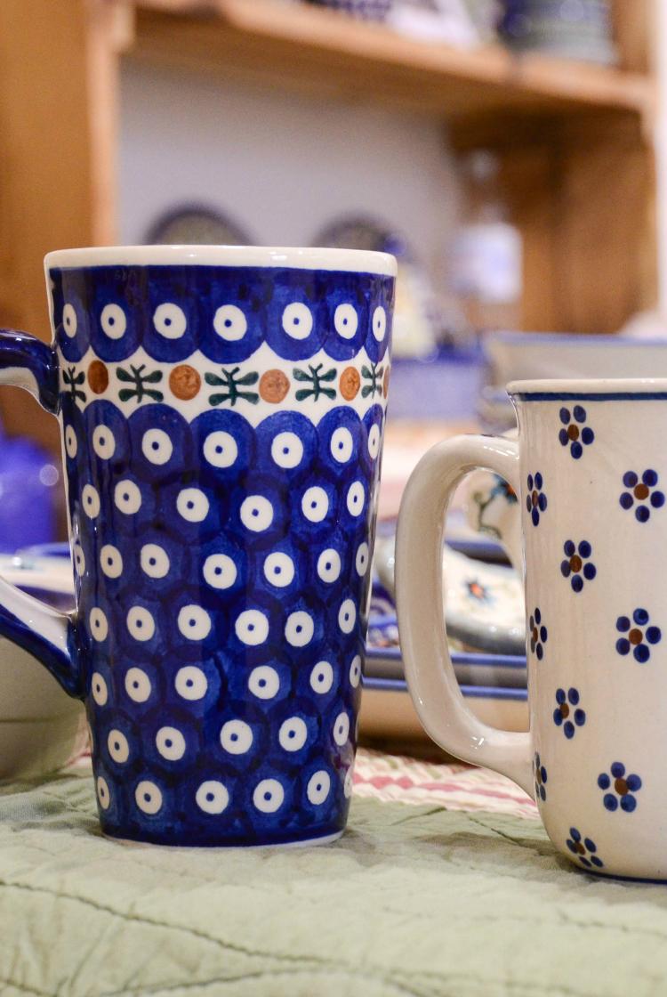 Роспись посуды в синем цвете