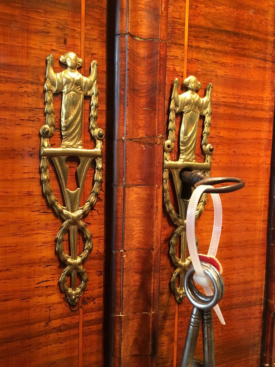 Старинная дверь из палисандра
