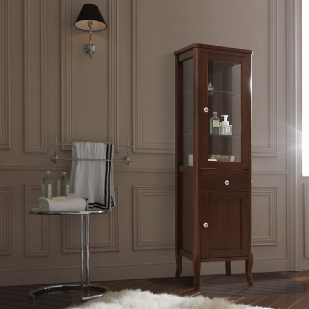 Шкаф-пенал со стеклянной дверью