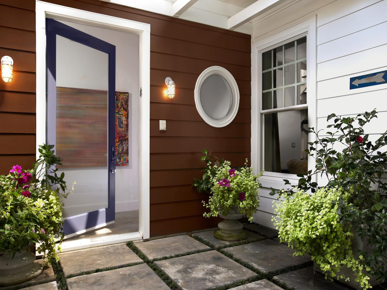 Декор входной двери со стеклом