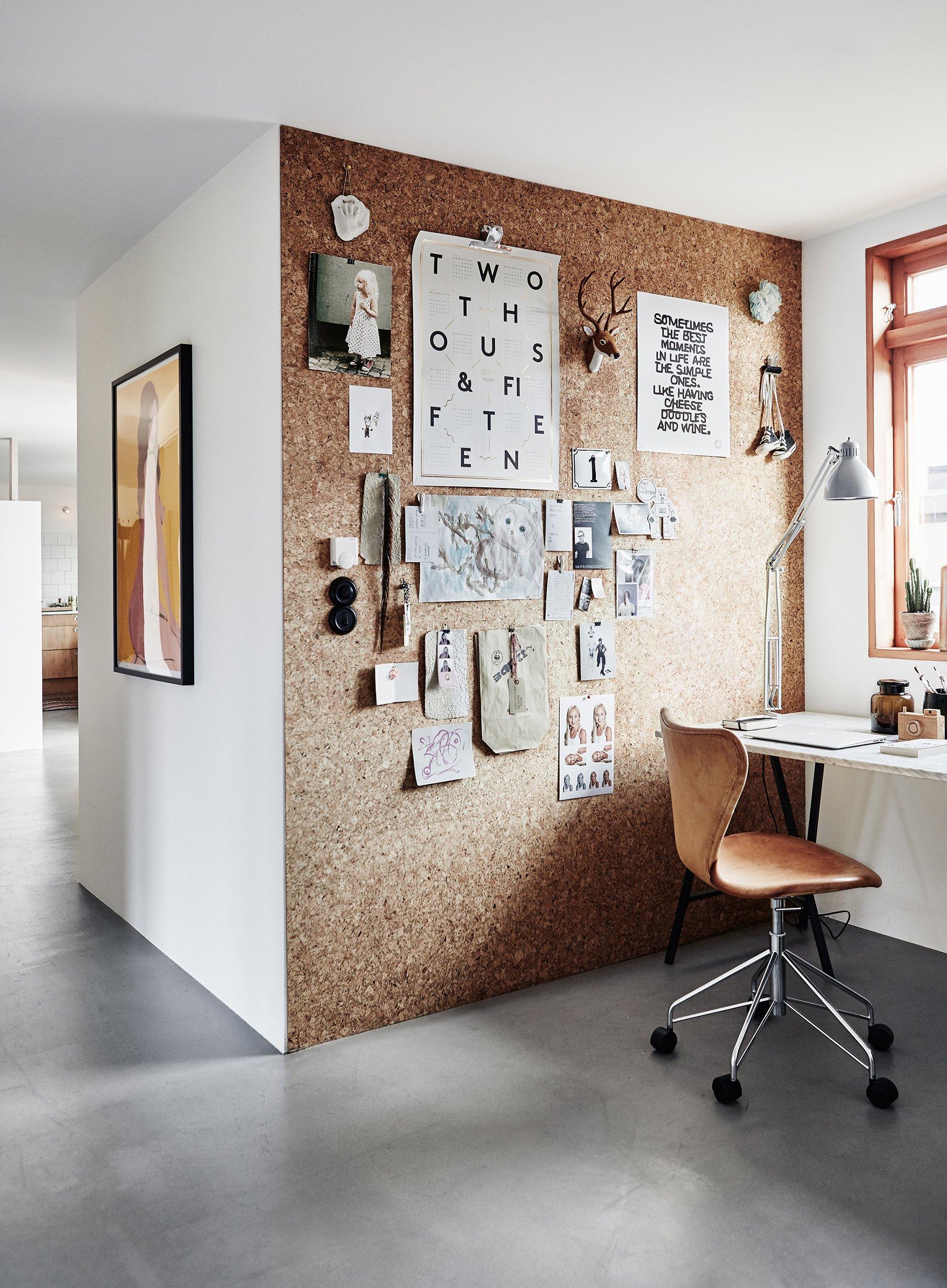 Доска для заметок на стене