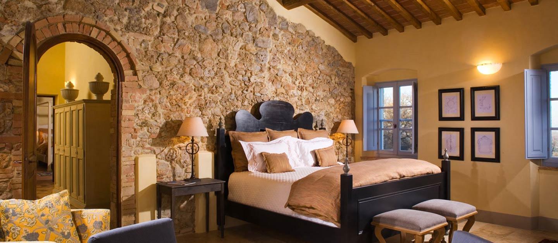 Декор стены в тосканском стиле