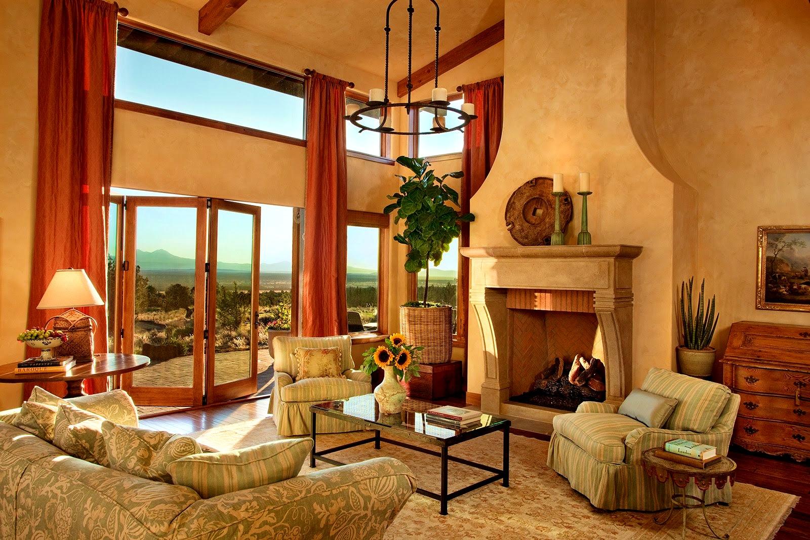 Бордовые шторы в гостиной в тосканском стиле
