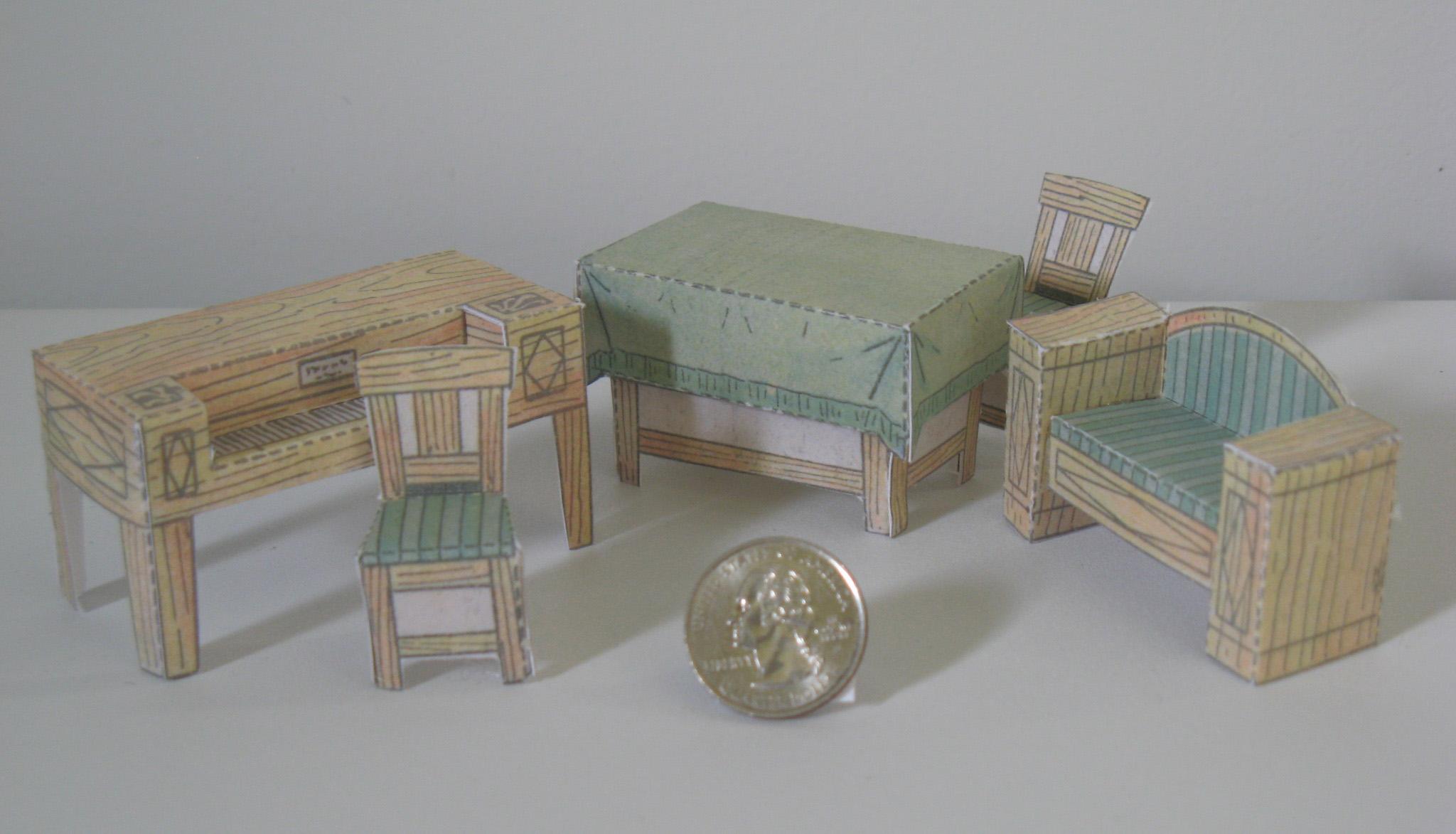 Стол из картона игрушечный