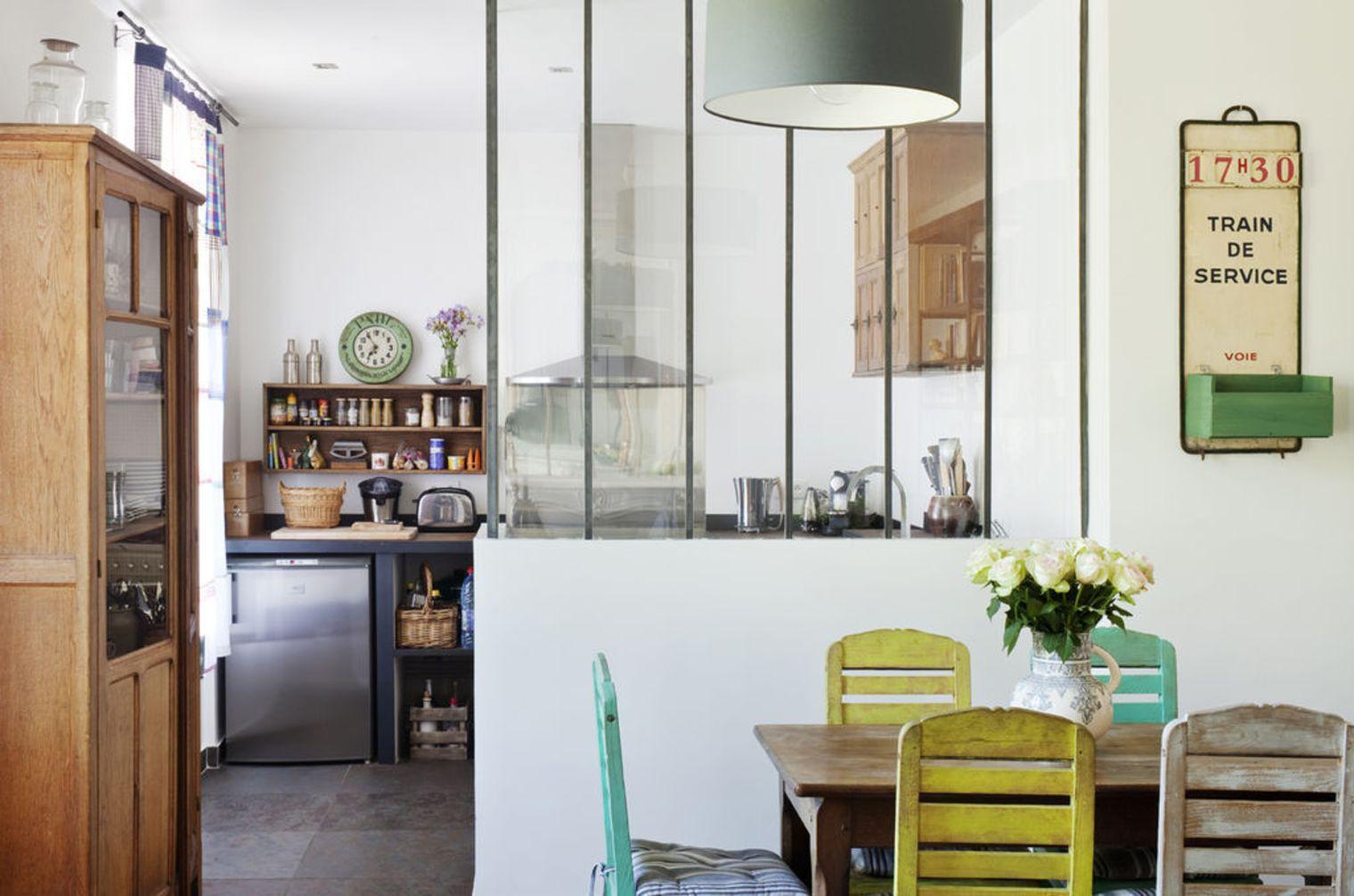 Перегородка между кухней и гостиной столовой