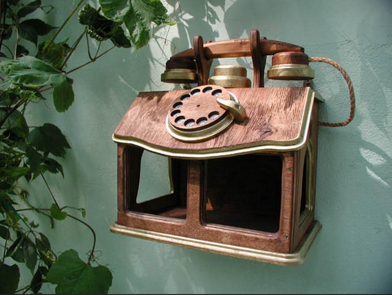 Кормушка для птиц из телефона