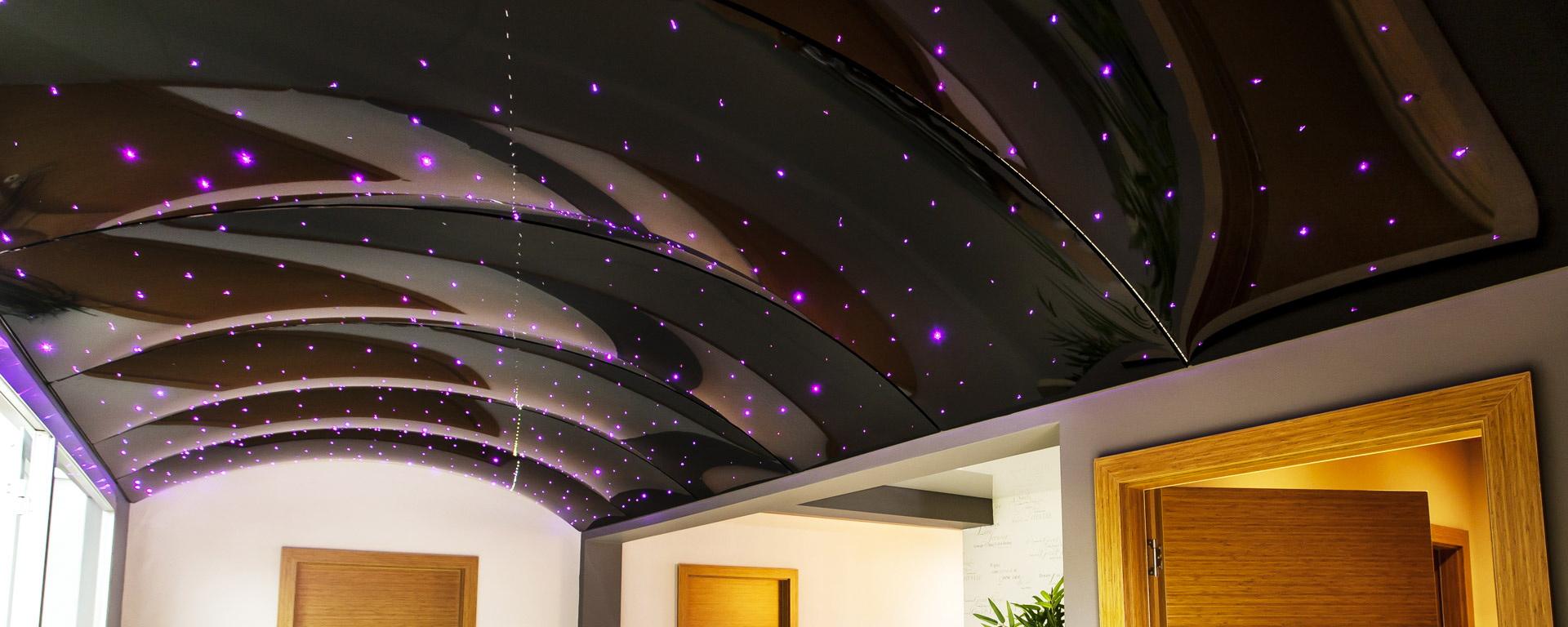 3d-потолок с точечными светильниками