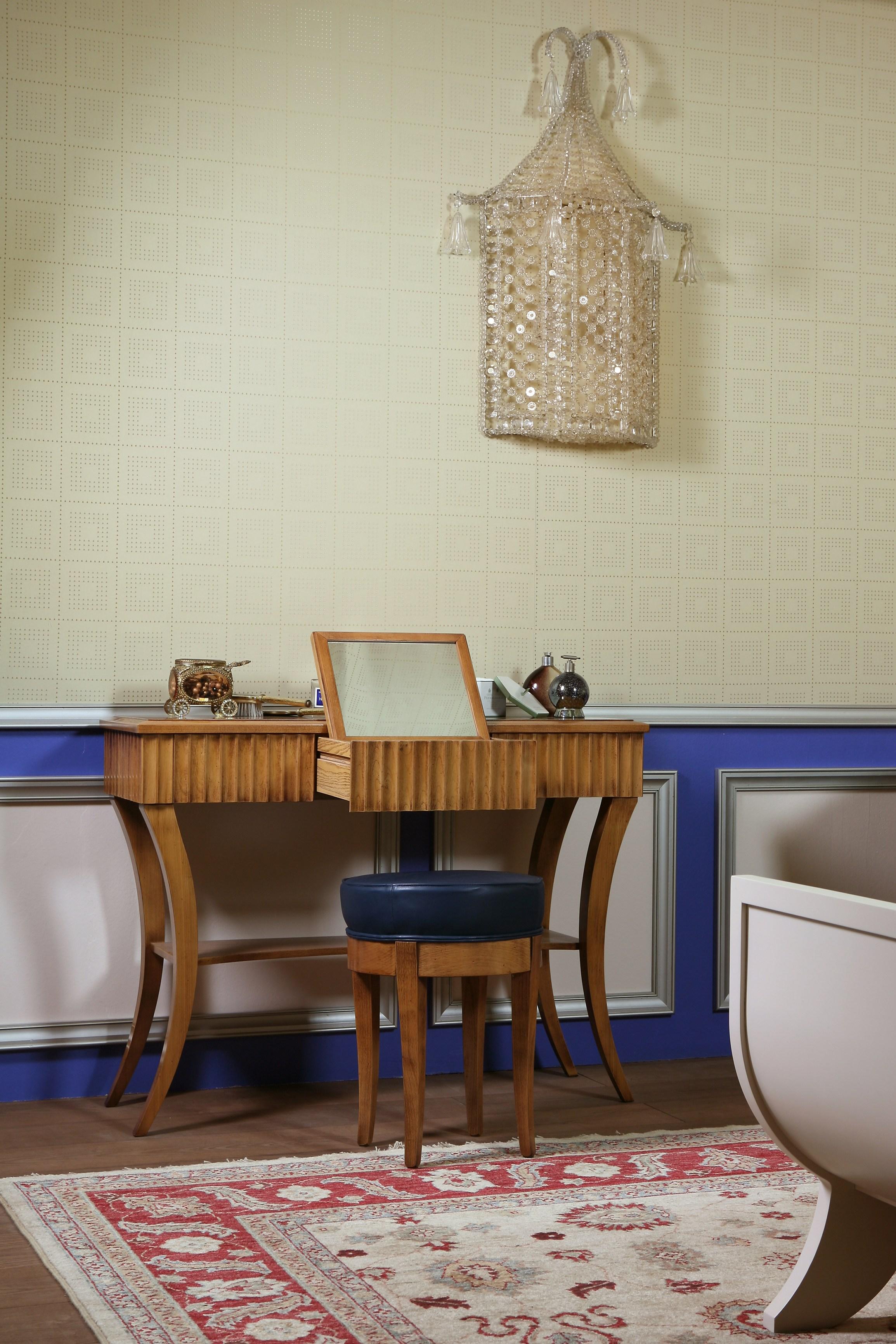Туалетный столик в стиле бидермейер
