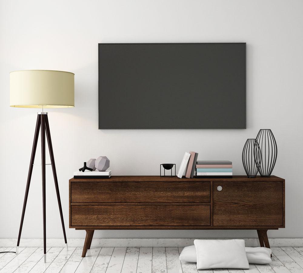 Отреставрированная телевизионная тумба