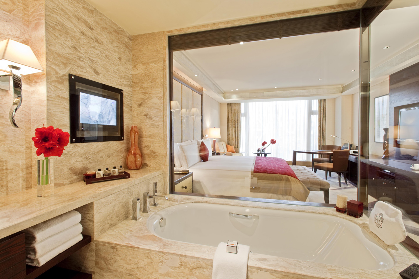 Декторативная штукатурка Марморино в ванной