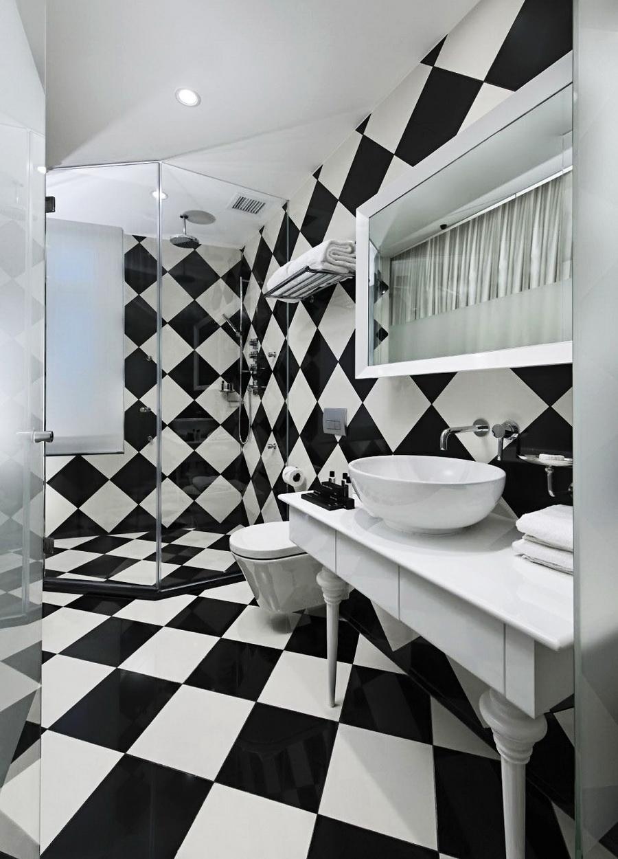 Диагональная укладка плитки в ванной комнате
