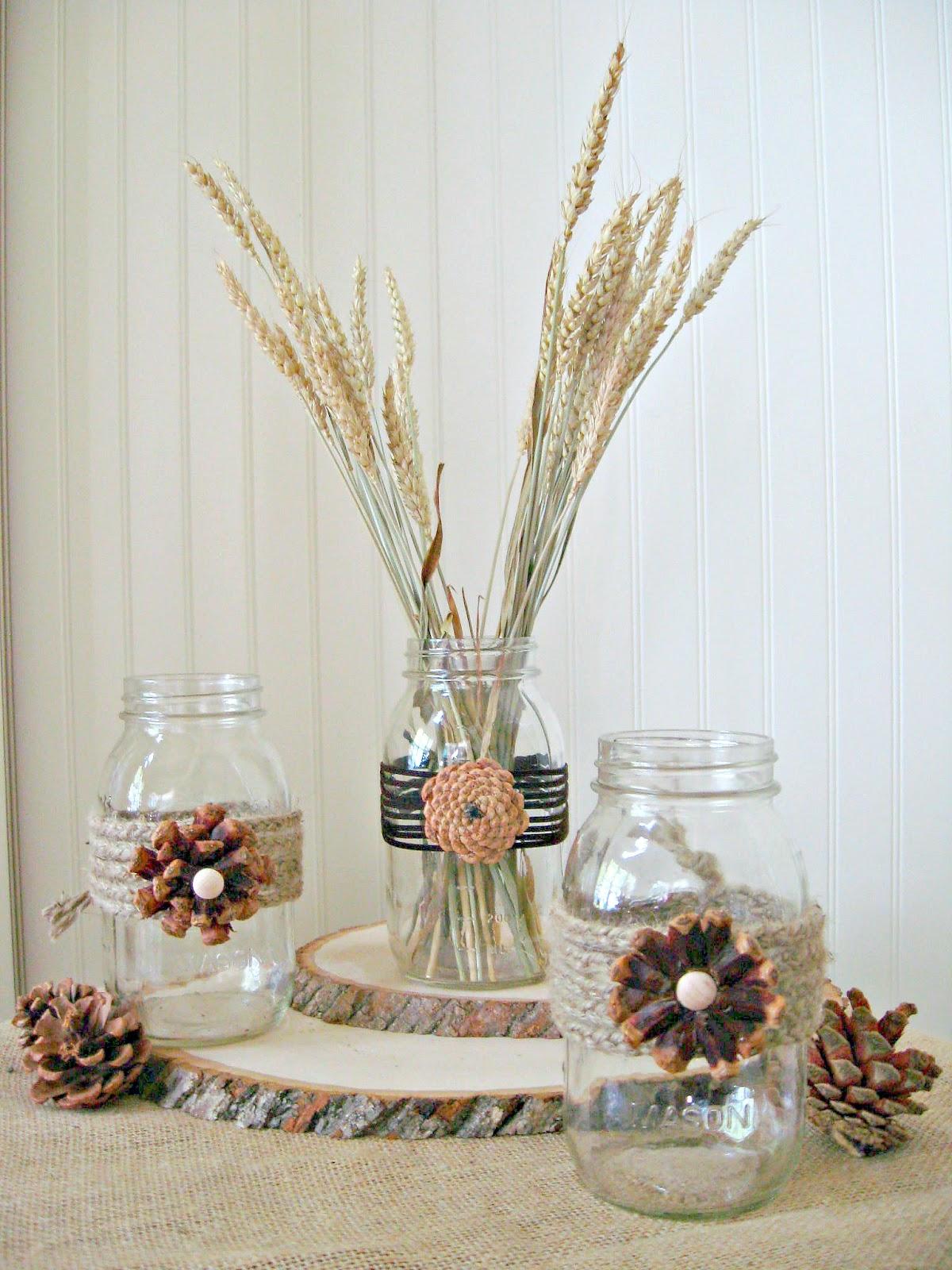 Декор вазы шишками