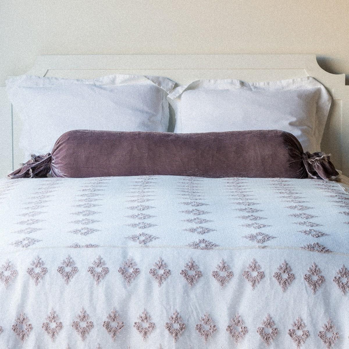 Подушка валик велюровая