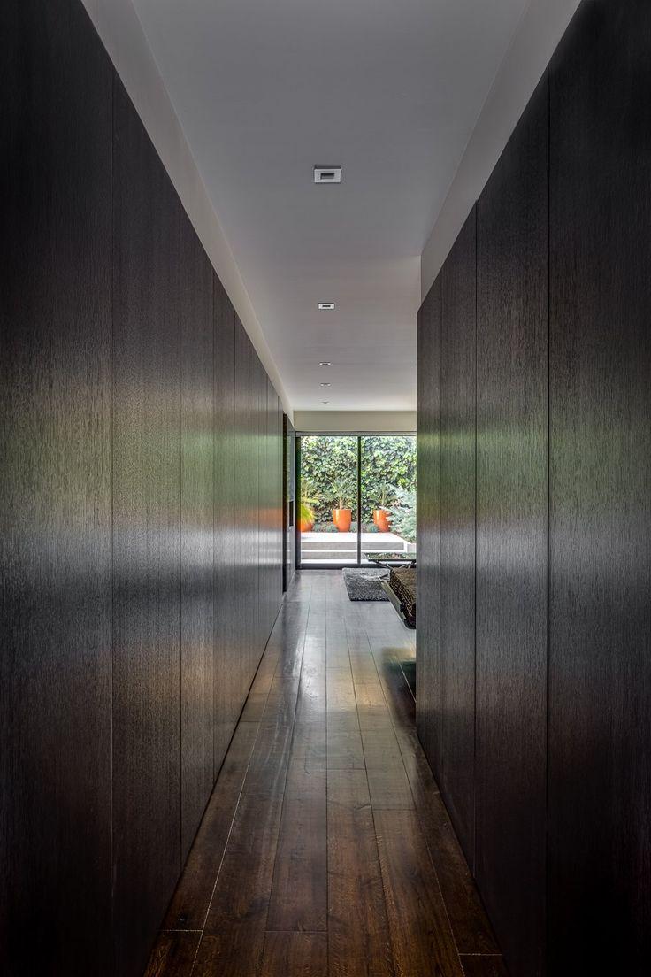 Стеновые панели для коридора венге