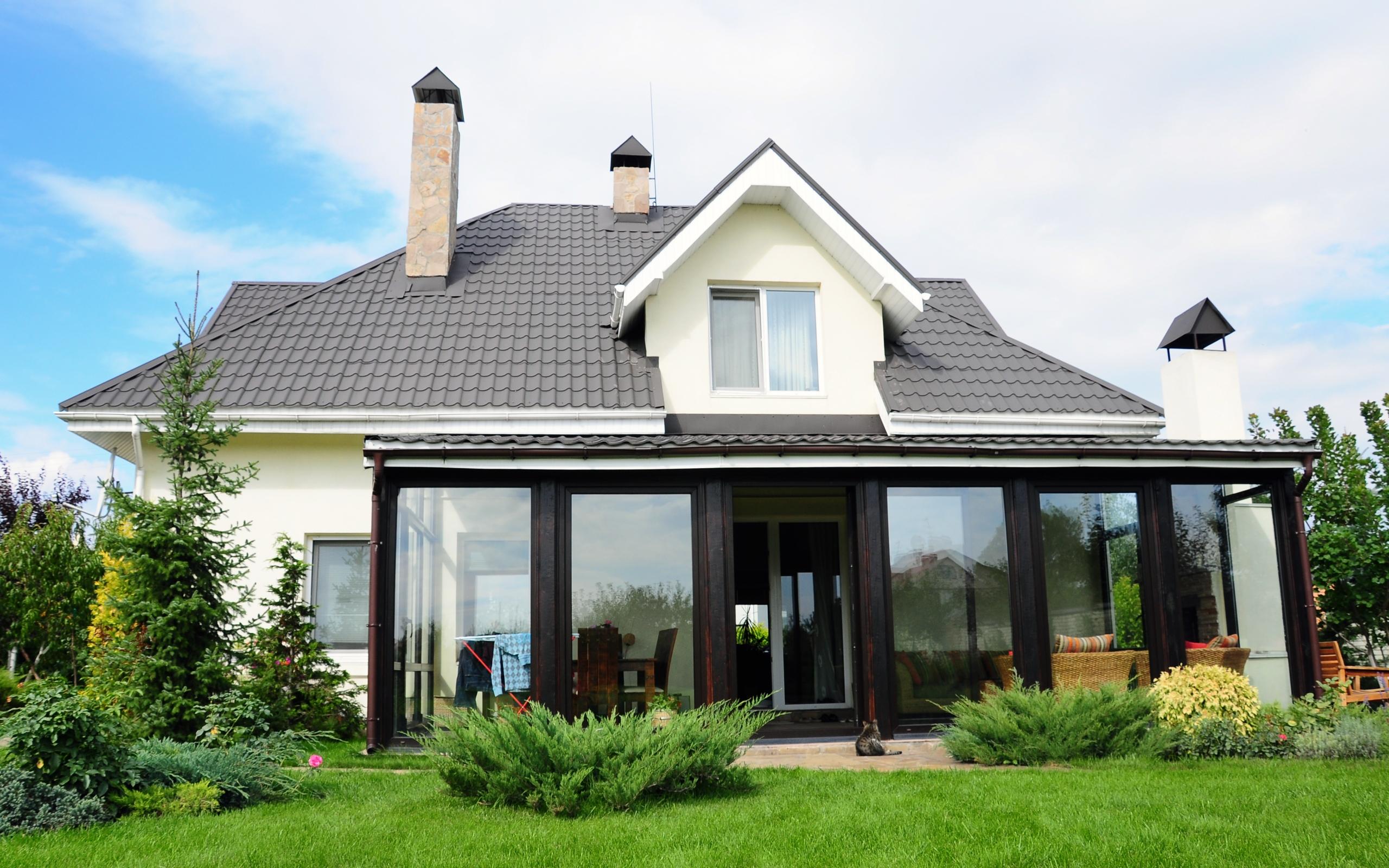 Дом из пеноблоков с верандой