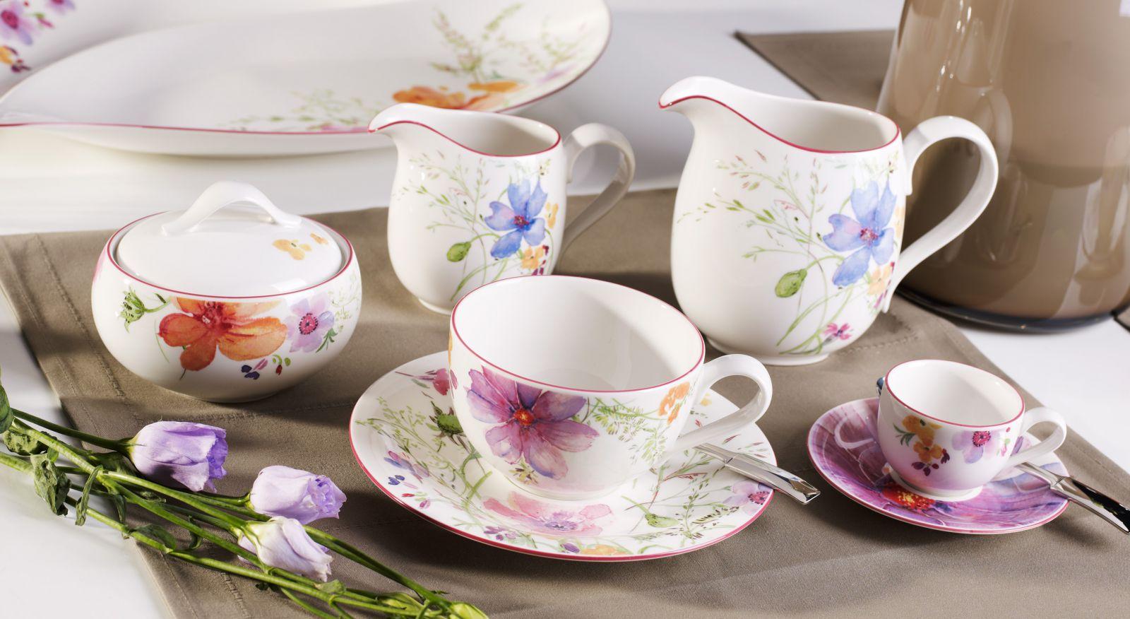 Фарфоровая венская посуда в весенней стилистике