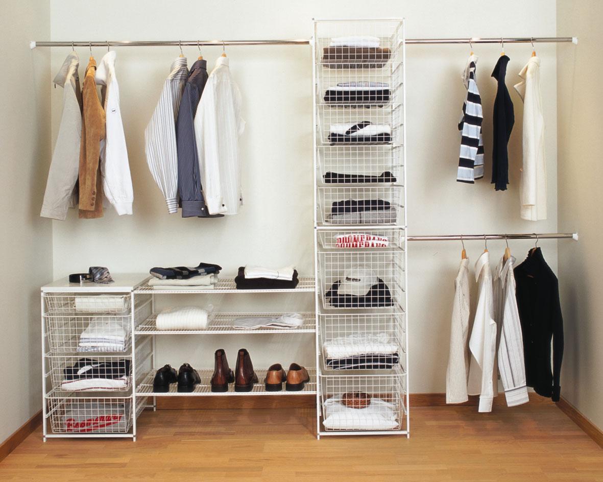 Хранение одежды в гардеробной комнате