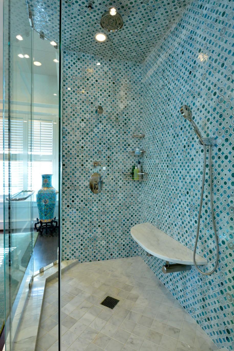 Голубая мозаика в восточном стиле