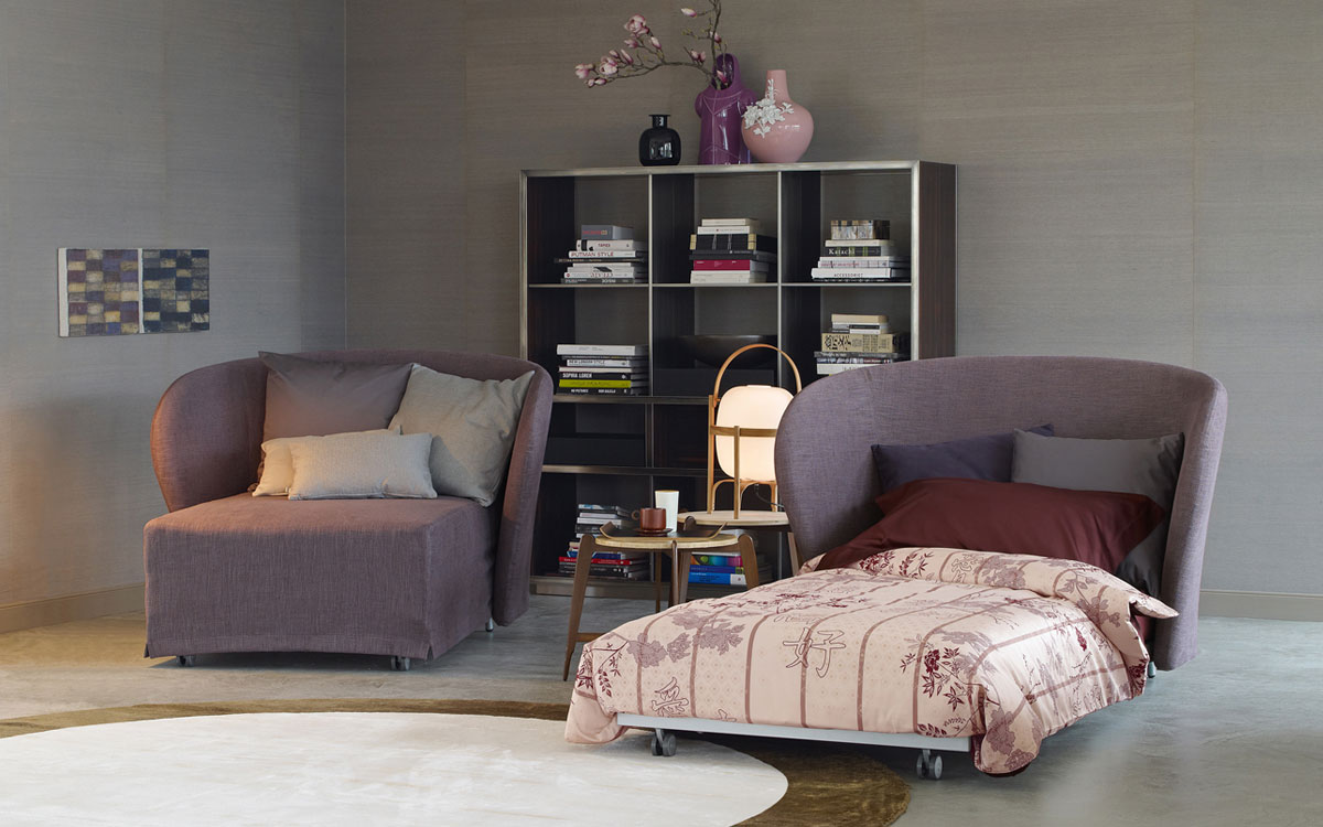 Кресло-кровать с выкатным механизмом