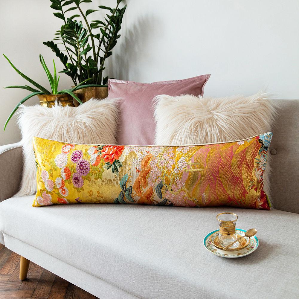 Подушка валик с вышивкой