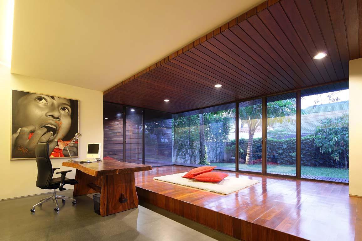 Ламинат на потолке в японском стиле